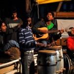 Die Kinder der Pflegefamilien besuchen auch die Gottesdienste im Sewa Ashram, und einige der Teenager helfen bei der musikalischen Begleitung.